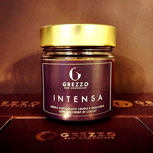 Crema spalmabile cioccolato crudo e nocciole