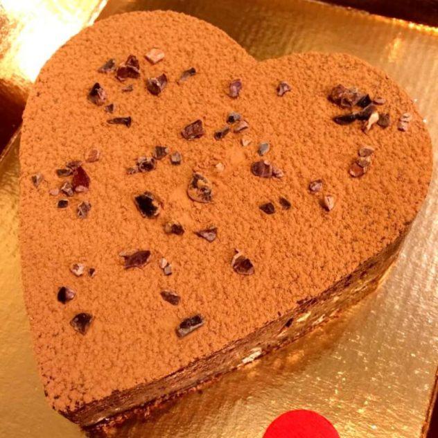 Cuore brownie cacao crudo nocciole Grezzo