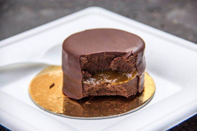 sacher crudista Grezzo Raw Chocolate